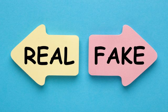 Showing how to choose whether the app is real or fake